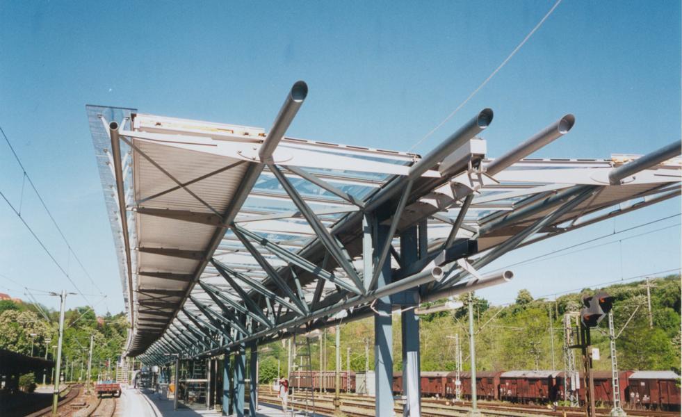 Neubau von Bahnsteigdächer Rottweil